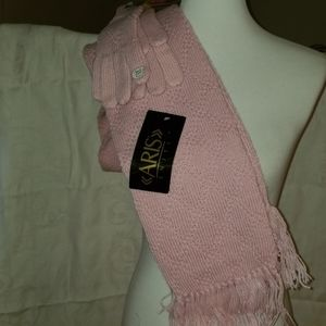 Aris isotoner Knit scarf and gloves